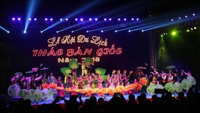 ban gioc waterfall festival kicks off in cao bang