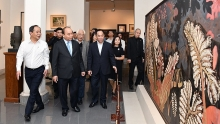 prime minister nguyen xuan phuc visits national arts museum