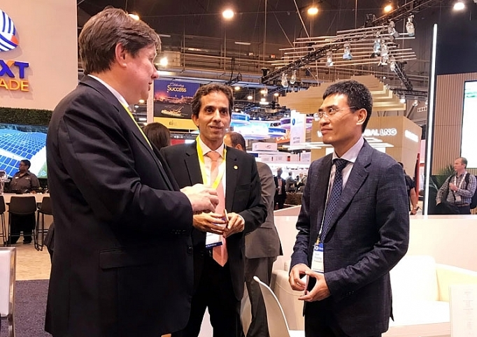 general director of pv gas duong manh son attends gastech 2019