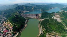 over vnd92 trillion poured into hoa binh hydropower plant expansion