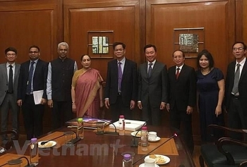 party delegation pays working visit in india