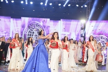 khanh ngan crowned miss globe 2017