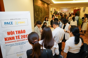 experts upbeat on economy real estate prospects