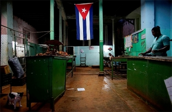 cuba lowers economic growth forecast as trade continues to drop