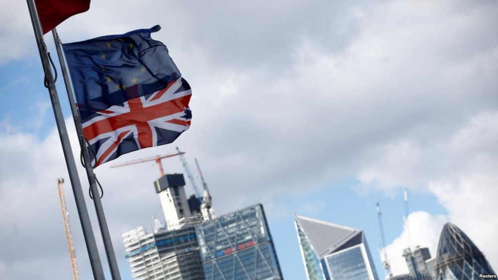 draft brexit deal ends britains easy access to eu financial markets