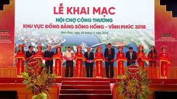 red river delta industry and trade fair opens in vinh phuc