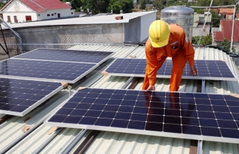 evn installs rooftop panels for employees to boost solar energy use