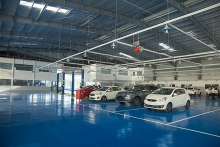 mitsubishi motors viet nam debuts showroom in da nang