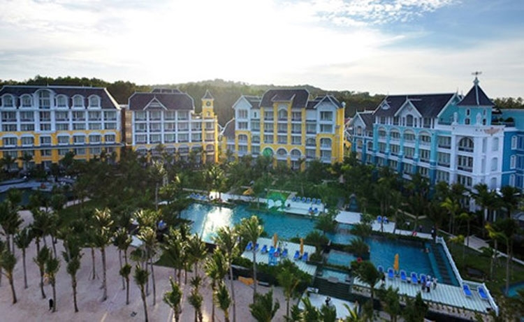 jw marriott phu quoc emerald bay resort put into service