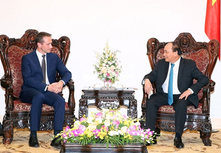 pm wants green energy cooperation with denmark