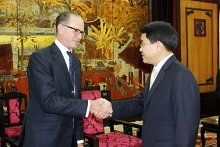 austria wants to develop investment business activities with hanoi