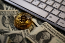 federal reserve governor warns bitcoin could put safety of financial system at risk