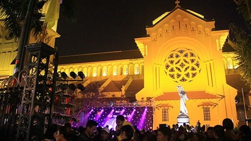 first german style christmas market held in hanoi