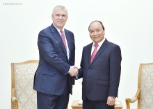 prime minister receives british prince andrew in hanoi