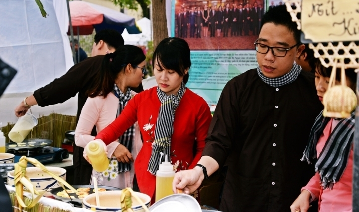 cuisine festival helps introduce vietnams images to intl friends