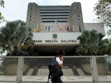 malaysias economy forecast to continue growth