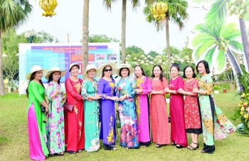 the enduring grace of the vietnamese ao dai
