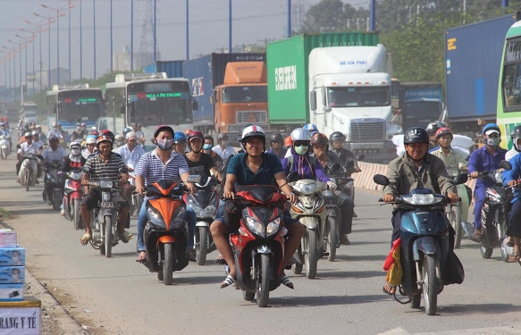 hcmc launches motorcycle emission control project