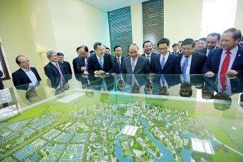 hoa lac hi tech park welcomes new investors