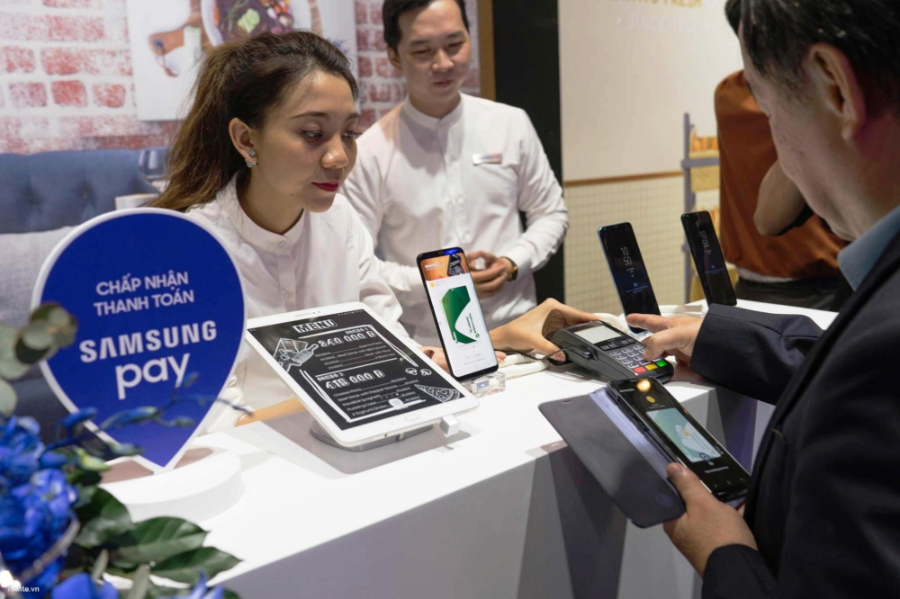 vietnamese consumers discover the ease of contactless payments