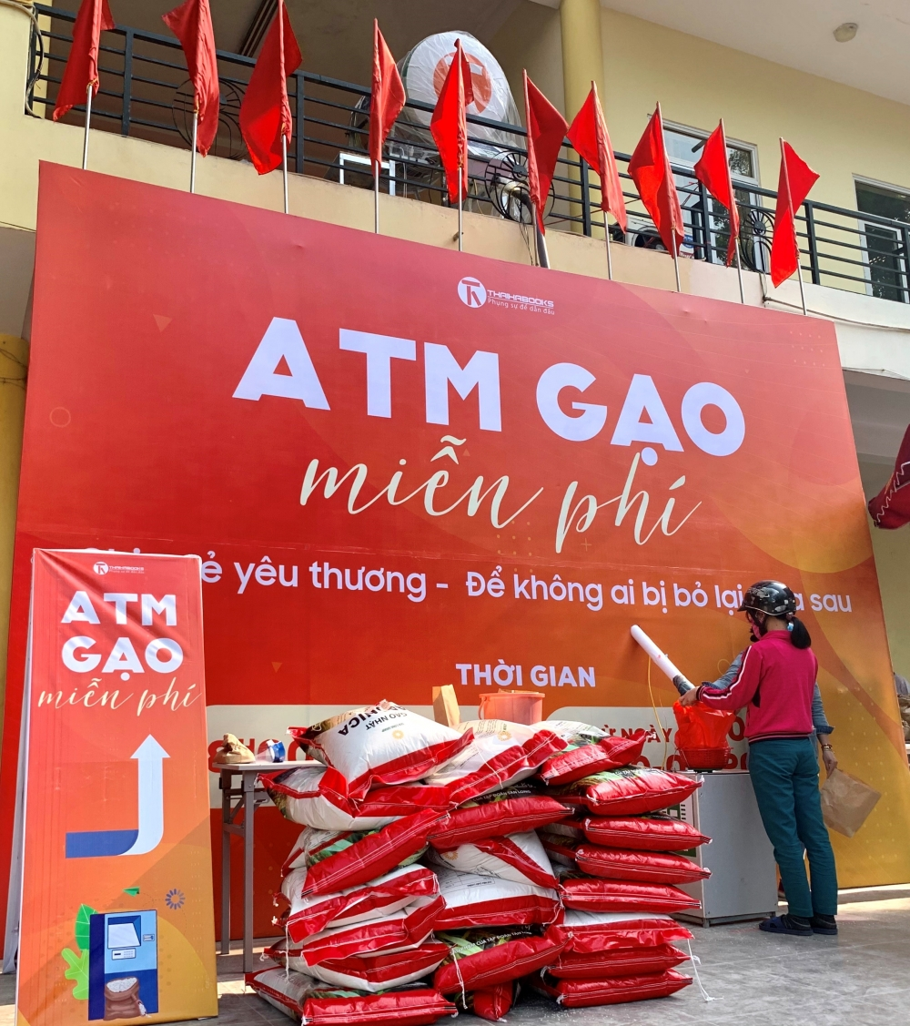 vietnam sets up free rice atms to help those in need amid covid 19