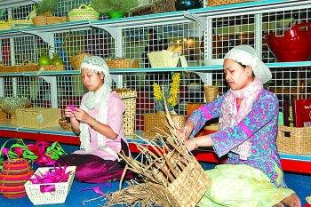 ninh thuan crafts plan to boost unique handicraft villages