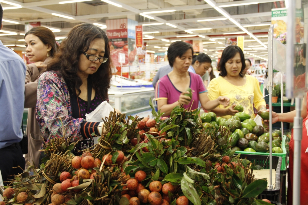 big supermarkets boost sustainable produce sales