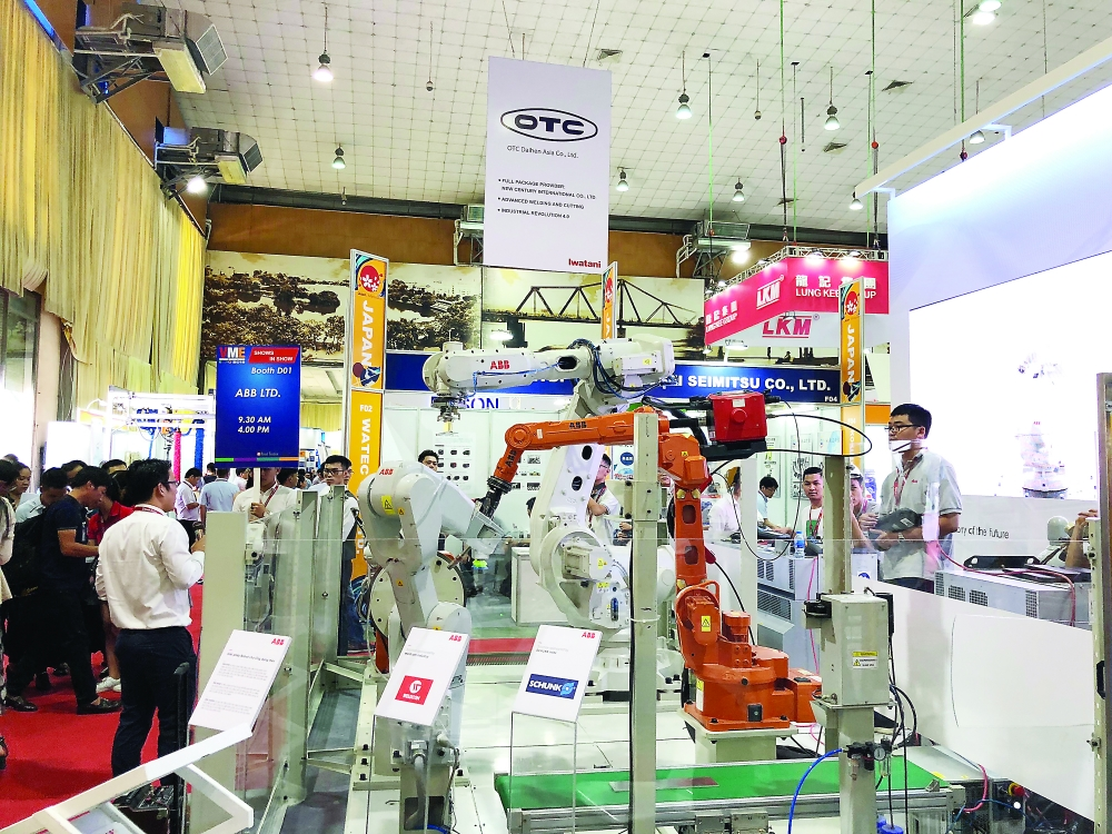 major expos boost vietnams manufacturing support industries