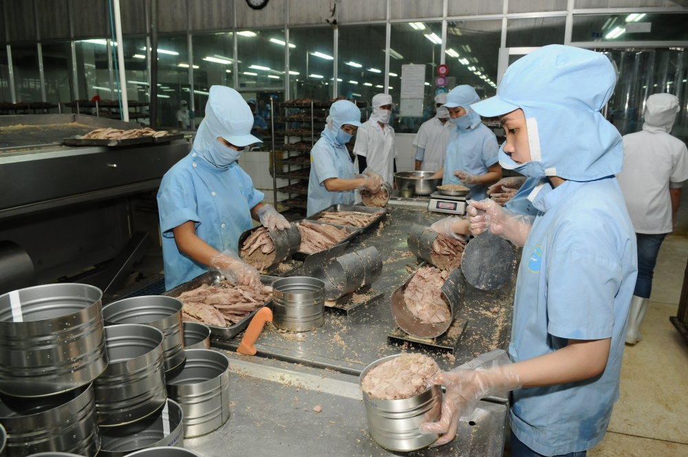 israel interested in vietnamese seafood medical equipment