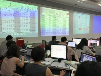 faster cash flows foreseen on securities market
