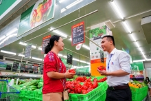 foreign retailers comb country for high quality vietnamese goods