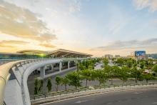 da nang international terminal helps develop central key economic zone