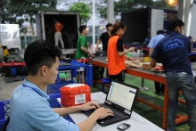 vietnam boosts exports via e commerce channel