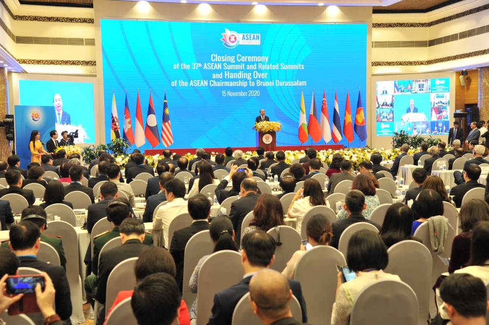 vietnam caps term as asean chair with signing of major trade pact