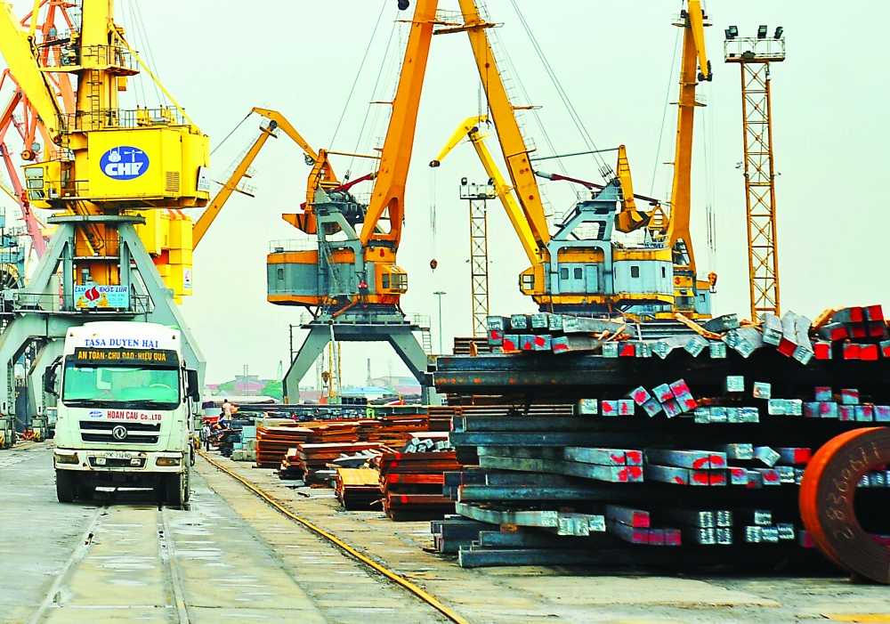 vietnams exports likely to achieve annual target