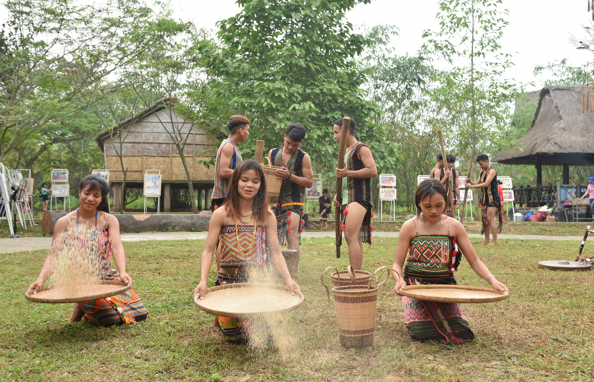 new rice celebration of the xtieng people