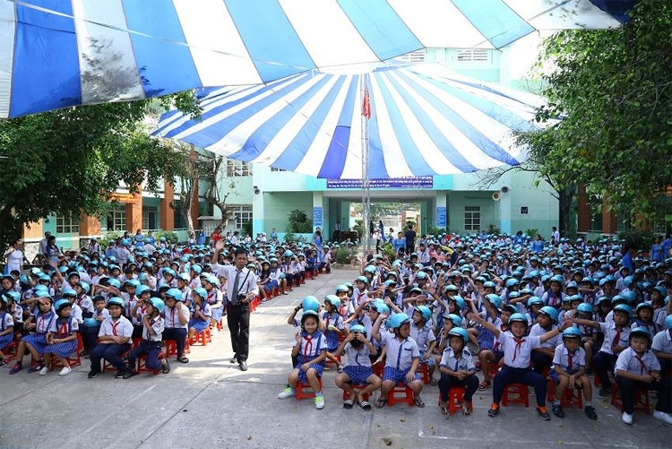 helmets for families brings road safety from the hospital to the classroom