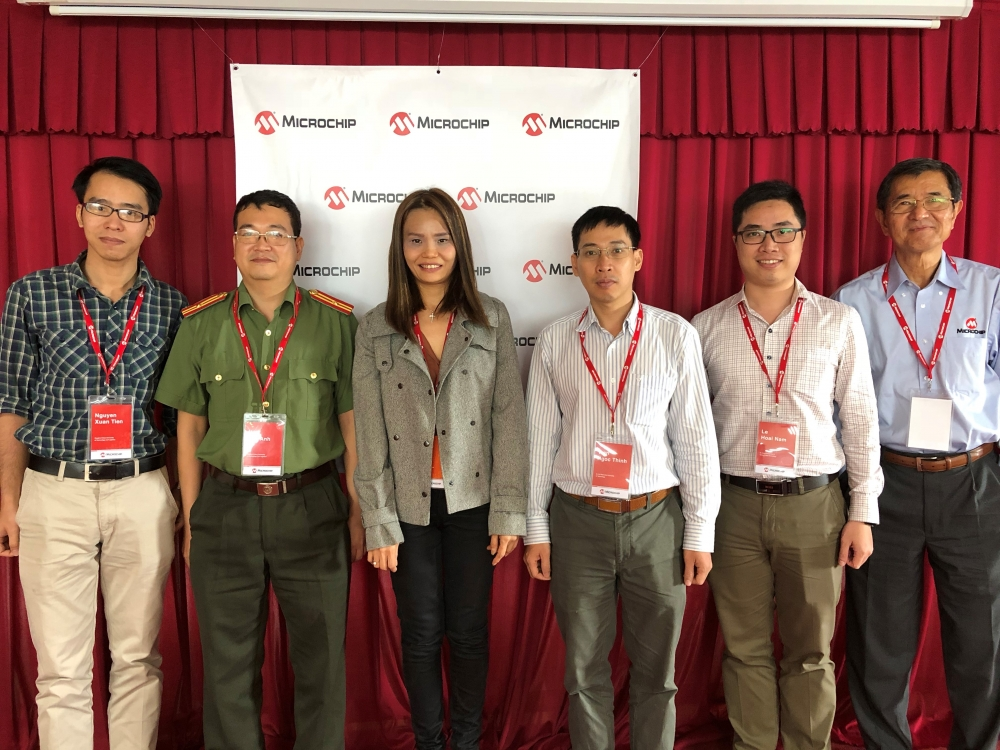 microchip technology rewards top electronic engineering students