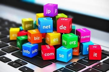 internet grows to 3324 million domain name registrations in the fourth quarter of 2017