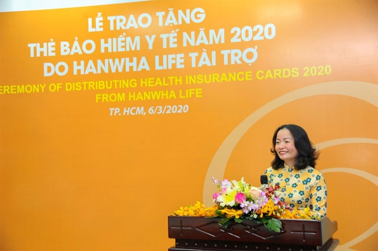 hanwha life vietnam donates 3257 health care insurance cards to the poor people