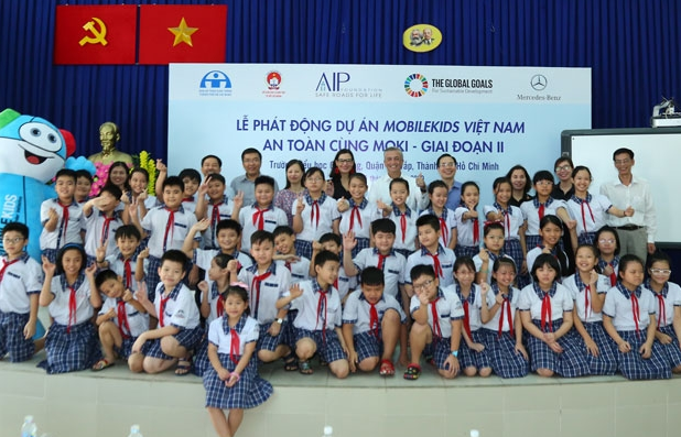 mobilekids vietnam and safety with moki tour targets child car safety reaching nearly 1850 students