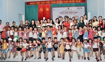 generali vietnam organized the first born children born parents workshop in central vietnam