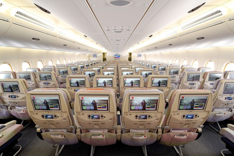 emirates wins best entertainment award at 2017 apex passenger choice awards