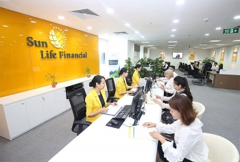 sun life vietnam wins the best life insurance solutions provider vietnam 2018 award ifm
