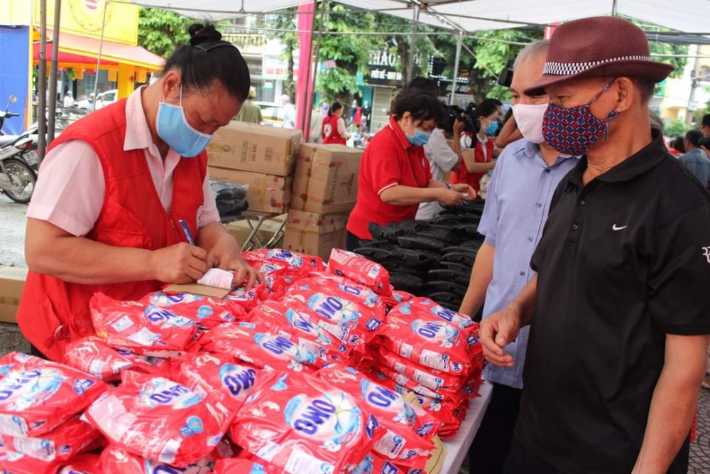 sabic helps 1200 vulnerable individuals in the fight against covid 19 in vietnam