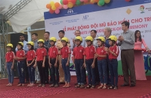 helmets for kids provides 500 helmets to primary school students in binh xuyen district