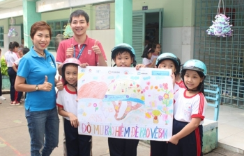 nearly 1000 students and abbott volunteers participate in road safety festival