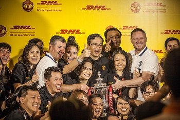 dhl and manchester united football club bring legendary moments to football supporters in vietnam