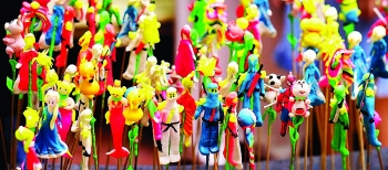 to he a vietnamese traditional toy