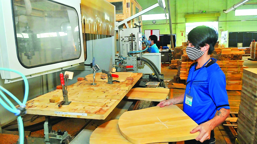 wood exports branch out to new markets exceed target